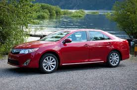 nissan rogue yellow triangle light february midsize sales nissan altima overtakes camry motor trend