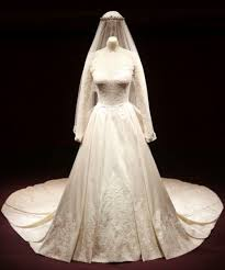 wedding dress up kate middleton s wedding dress cost more than 400 000 see it up