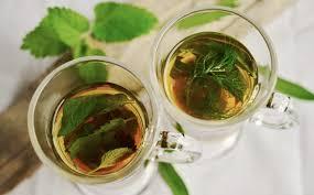 Teh Adas gambar kaca makanan herba menghasilkan minum sehat daun mint