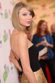 taylor swift lob haircut how the beauty evolution of taylor swift from curly haired cutie to