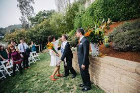 california backyard fun u0026 casual backyard jewish wedding in california the big fat