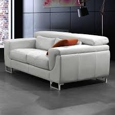 raviver un canapé en cuir comment nettoyer un canap en cuir blanc salon blanc cuir comment