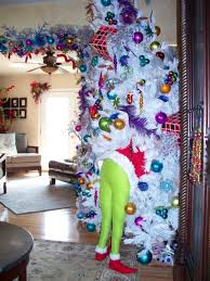 grinch christmas tree diy grinch decor hometalk