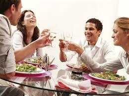 vivre dans la convivialité et le partage entre amis comme au