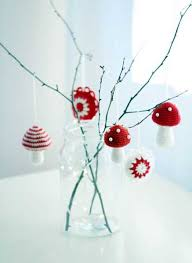 Christmas Craft Decor - 25 handmade christmas decorations bringing ancient crafts into