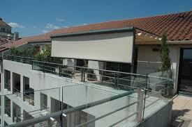 brise vue retractable 4m terrasse de rêve en pleine ville ambiance intime et conviviale au