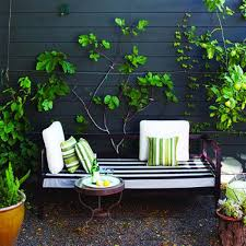 Backyard Seating Ideas by 25 Awesome Outside Seating Ideas You Can Make With Recycled Items