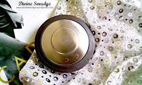review on becca cosmetics highlighter champagne pop u2013 divine smudge