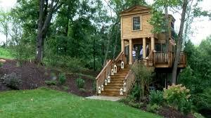 animal planet u0027s u0027treehouse masters u0027 finish tree house at bella