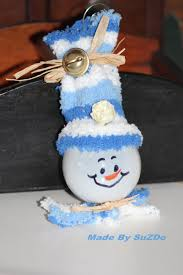 diy snowman tree ornament from a recycled light bulb suzdo