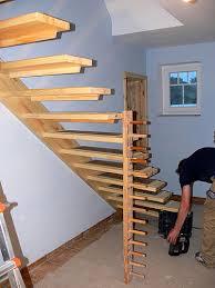 treppe selbst bauen terrassen treppen selber bauen hier fallen ein hoher zaun eine