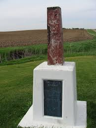 tri state marker at the borders of iowa minnesota and south