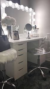 Bathroom Vanity With Makeup Area by Best 10 White Makeup Vanity Ideas On Pinterest White Vanity