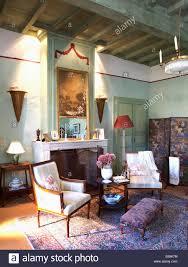 Schlafzimmer Antik Antike Französische Spiegel über Dem Kamin Im Land Schlafzimmer