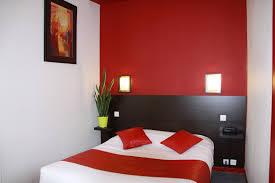 image d une chambre chambre confort à grand lit ou lits jumeaux et bain hôtel notre dame