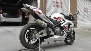 brand new honda cbr 600 white and silver 2016 honda cbr600rr review test exhaust sounds
