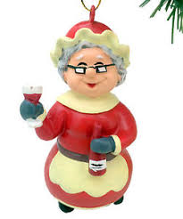 tree buddees wino mrs claus ornament wine