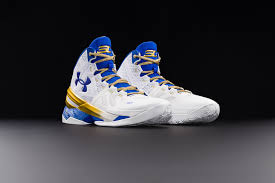 lebron vs stephen curry who is selling more kicks