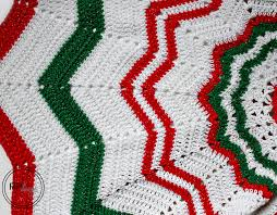 free knitting pattern christmas tree dishcloth christmas tree skirt crochet pattern rescued paw designs crochet