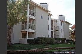 1 bedroom apartments in irving tx the lodge on country club apartments 3424 west country club drive