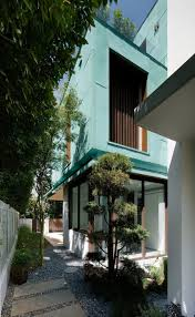 Modern Home Design Exterior 2013 Metallic Exterior Meets Modern Interiors At Singapore U0027s Green House