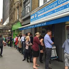 bureau de change big queues form outside bureau de change as eu referendum vote