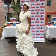 toilet paper wedding dress contest features feathers flower