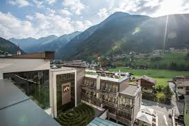 jobs at the hotel bergland in the ötztal valley