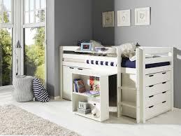 kinderzimmer mit hochbett komplett kinderzimmer ideen schreibtisch design interior design ideen