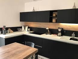 cuisine avec cuisine fenix noir sans poignée à couffé