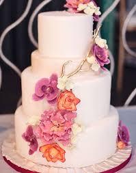 26 elaborate wedding cakes with sugar flower details modwedding