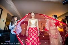 wedding chunni inspiration photo gallery indian weddings bridal chunni