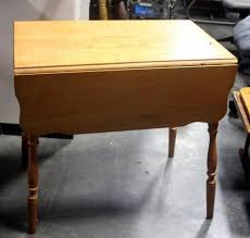 Antique Drop Leaf Table Vintage Drop Leaf Table With Scalloped Edges And Spindle Legs 32