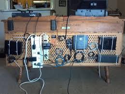 how to organize wires behind desk dicas de decoração como lidar com cabos e fios game rooms