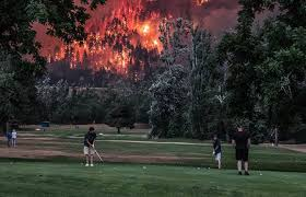 Wildfire Country Club Canada by Golfers Finish A Round As Massive Oregon Wildfire Rages Behind