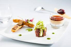 cuisiner un canard gras recette de croustillant de confit de canard panacotta de foie gras