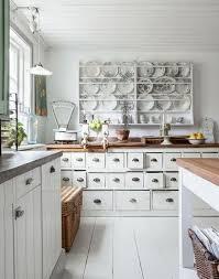 cuisine fond blanc décoration shabby meubles récup superbes sur fond blanc