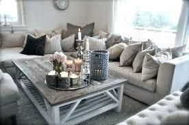 livingroom deco deco salon gris et beige livingroom couleur pale blanc chandelles