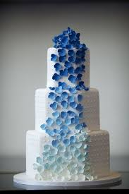 10 blue wedding cakes for a fresh take on a classic tradition