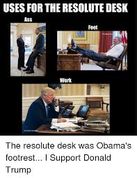 trump desk vs obama desk uses for the resolute desk ass feet the white ai work drew angarey