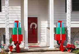 Easy Outdoor Christmas Decorating Ideas Christmas Decorations For Inside Your House Decorating Ideas Idolza