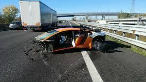 lamborghini aventador crashes lamborghini aventador sv crashed in italy