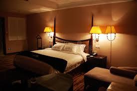chambre nuit chambre à coucher de luxe la nuit photo stock image du meubles