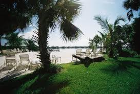 vanishing edge custom swimming pool and spas palm beach pool