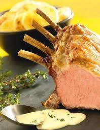 cuisiner un carré d agneau carré d agneau à la crème de thym recettes cuisine française