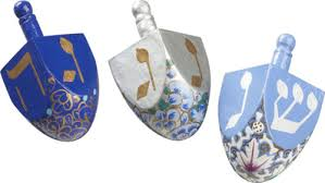 hannukkah decorations dreidels 7 pretty hanukkah decorations lifestyle