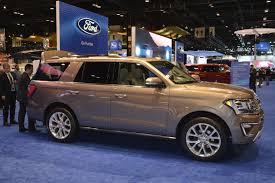land rover suv 2018 2018 expedition is ford u0027s range rover at the chicago auto show