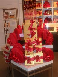 Great Valentines Day Ideas For Him Best Valentine U0027s Day Gifts For Detroiters Cbs Detroit