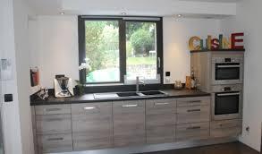 modele de cuisine amenagee modele de cuisine moderne cuisine grise et verte pas cher sur