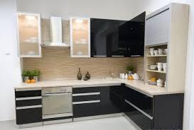 cuisine moderne noir et blanc cuisines cuisine moderne idée originale noir blanc placards
